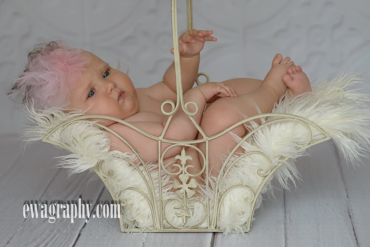 niemowlak-w-koszyku